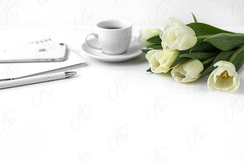 mockup--biurko-kwiatek-tulipan-110