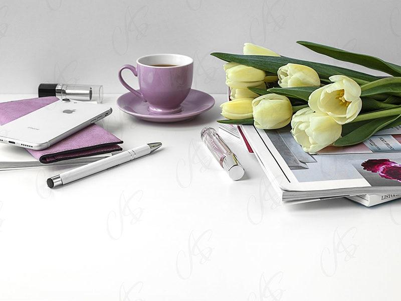mockup--biurko-kwiatek-tulipan-111