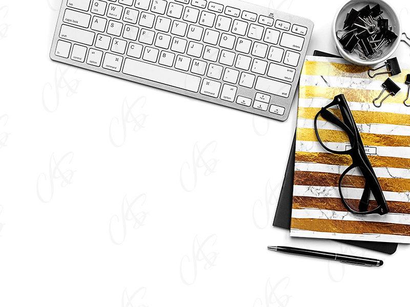mockup-flatlay-biurowy-zloto-czarny-notes-klawiatura-dlugopis-120