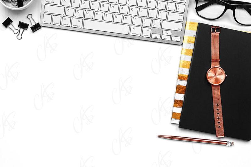 mockup-flatlay-biurowy-zloto-czarny-notes-klawiatura-dlugopis-123