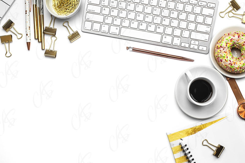 mockup-flatlay-biurowy-zloto-czarny-notes-klawiatura-dlugopis-79
